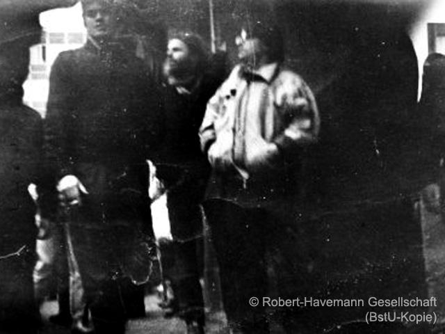 Falk Zimmermann (IM), Siegbert Schefke und Aram Radomski in Leipzig